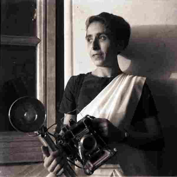 Everything you'd know about Homai Vyarawalla & Why Google Doodle for her!